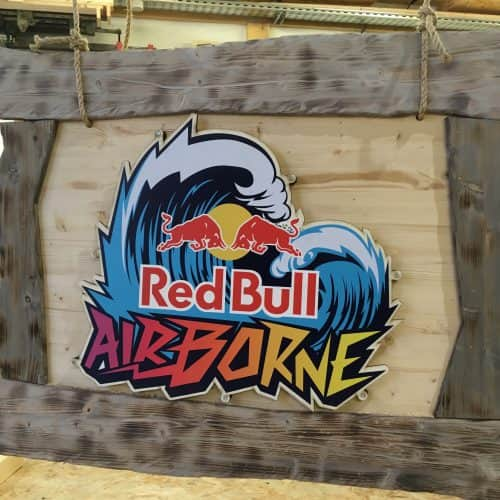 arkaic-concept-usinage-cnc-bois-gravure-laser-lyon-impression-uv-atelier-creatif-made-in-france-eco-responsable-trophes-redbull