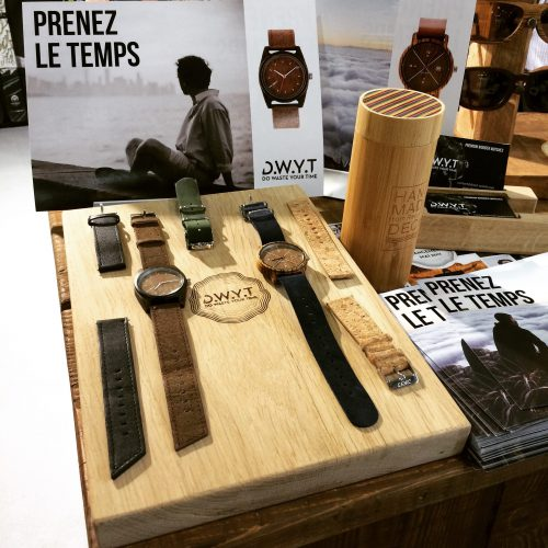 arkaic-concept-usinage-cnc-bois-gravure-laser-lyon-impression-uv-atelier-creatif-made-in-france-eco-responsable montre salon